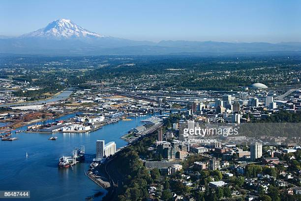 aerial view of tacoma and mount rainier - washington state stock pictures, royalty-free photos & images