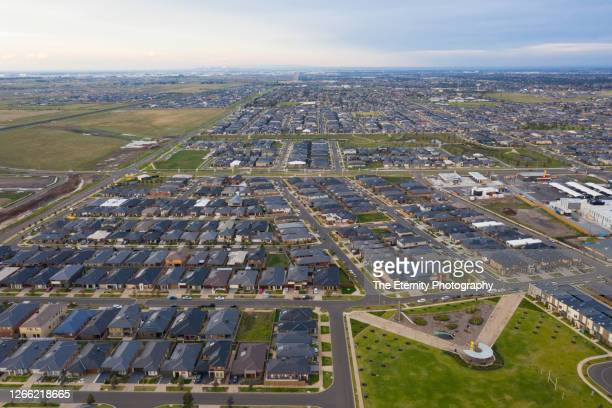 aerial view of tarneit - western suburbs melbourne - urban sprawl stock pictures, royalty-free photos & images