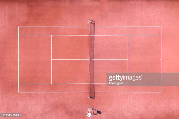 aerial view of tennis court - gwengoat stock pictures, royalty-free photos & images