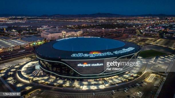 aerial view of the allegiant stadium, las vegas raiders - patrocinador fotografías e imágenes de stock