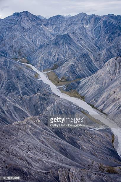 aerial view of the brooks range in summer, anwr, arctic alaska  - parco nazionale foto e immagini stock