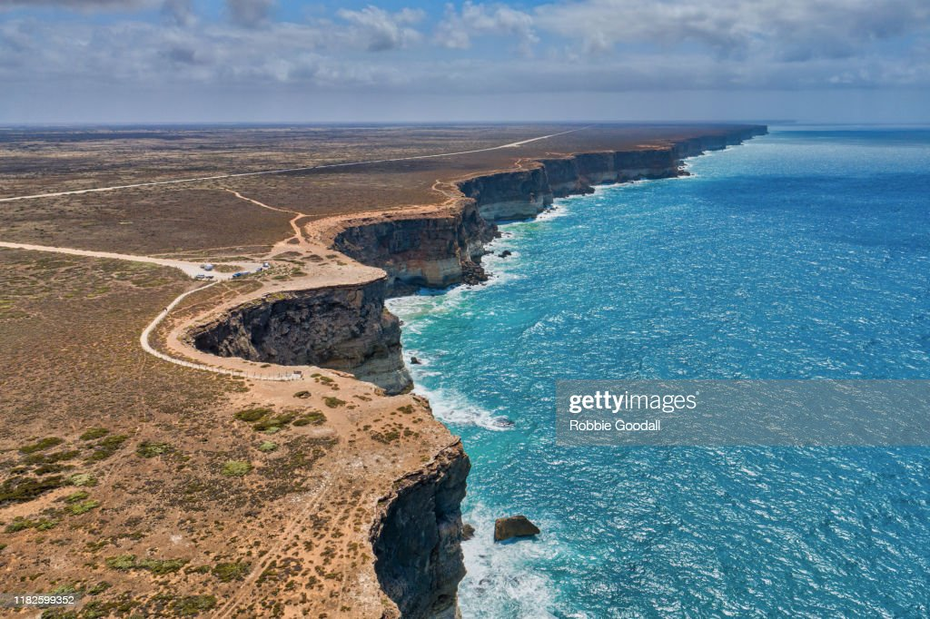 Aerial view of the Bunda Cliffs - Nullarbor Plains, Great Australian Bight Marine Park. : Stock Photo