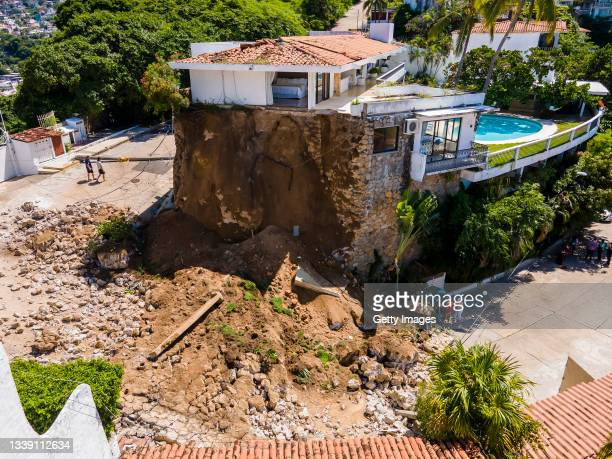 Aerial view of the damaged caused to a house's wall after a magnitude 7.1 earthquake hit yesterday close to 9:00 pm on September 08, 2021 in...