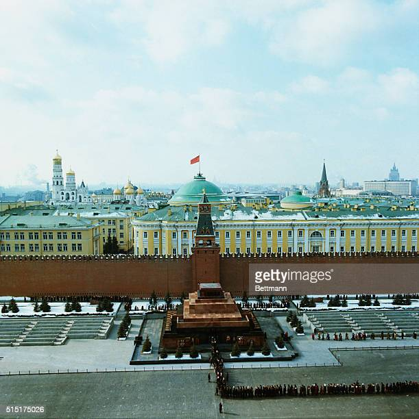 Aerial view of the line of people waiting to see the preserved corpse of Vladimir Ilyich Lenin in the Mausoleum of Red Square In the background the...