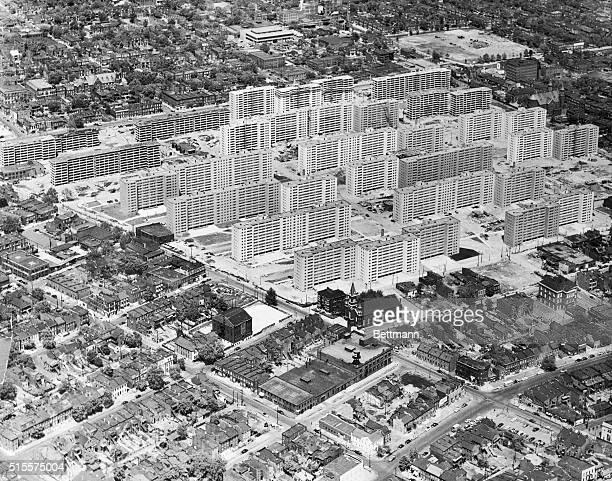 1956 aerial view of the massive PruittIgoe housing project in St Louis Minoru Yamasaki architect
