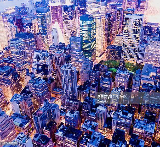 空から見たマンハッタンのミッドタウン、ニューヨークシティーの街並み