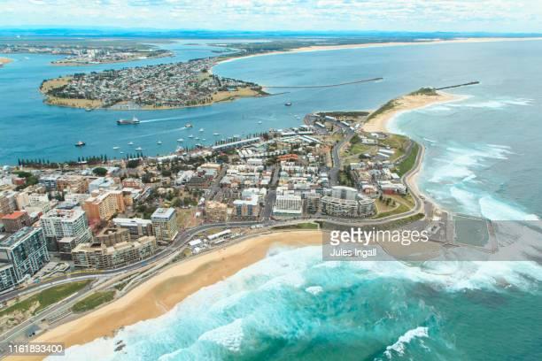 aerial view of the newcastle headland - nova gales do sul - fotografias e filmes do acervo