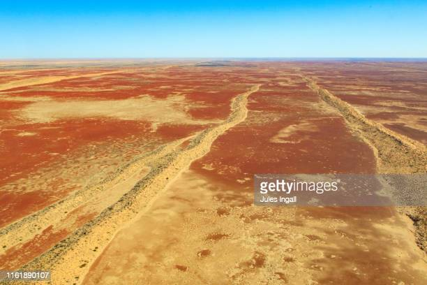 aerial view of the outback desert landscape in australia - queensland stock-fotos und bilder