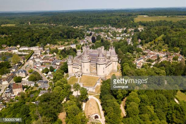 aerial view of the pierrefonds castle - oise stock pictures, royalty-free photos & images
