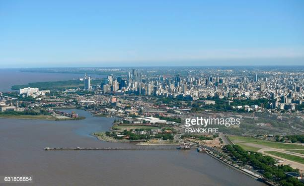 """Aerial view of the """"Rio de la Plata"""", Buenos Aires, Argentina during the 2017 Rally Dakar on January 14, 2017. / AFP PHOTO / FRANCK FIFE"""