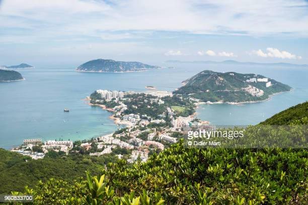 aerial view of the stanley peninsula and stanley coastal town in hong kong island - península fotografías e imágenes de stock