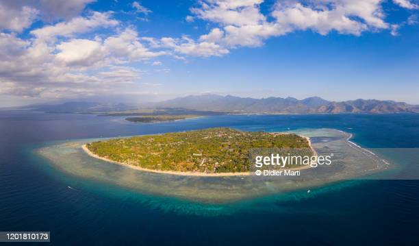 aerial view of the stunning gili air in lombok in indonesia on a sunny day. - lombok fotografías e imágenes de stock