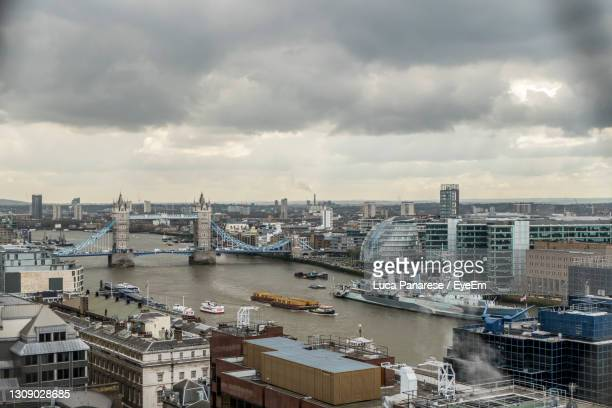 aerial view of the thames river and the tower bridge - national portrait gallery london stock pictures, royalty-free photos & images