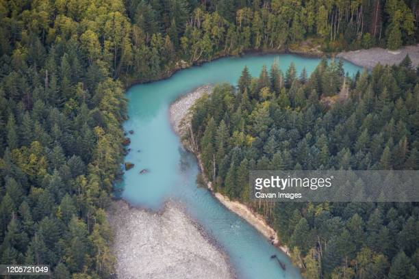 aerial view of the upper stave river, vancouver, b.c. - vancouver kanada stock-fotos und bilder