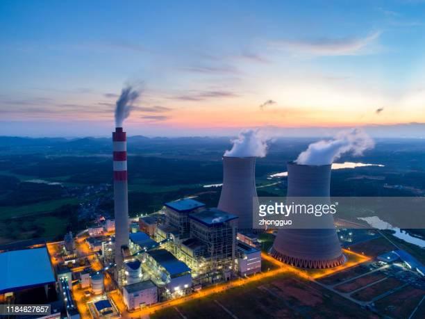 vue aérienne de la centrale thermique - atomic imagery photos et images de collection