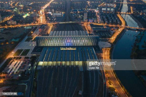 aerial view of tianjin railway station - tessuto a rete foto e immagini stock