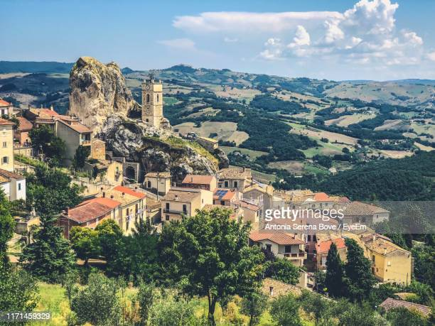 aerial view of townscape against sky - molise foto e immagini stock