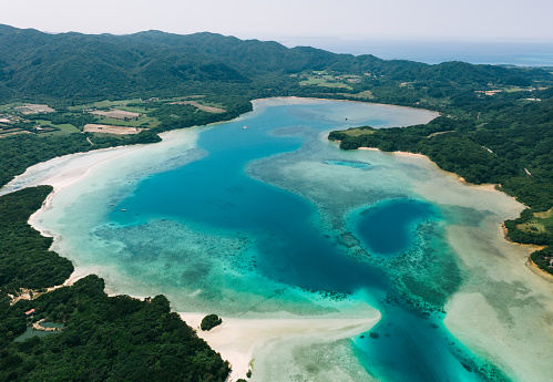 Aerial view of tropical lagoon, Kabira Bay, Ishigaki Island, Japan - gettyimageskorea