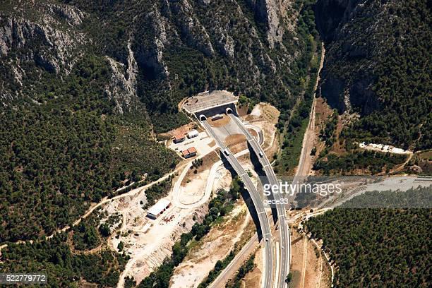 航空写真のトンネル、highway - テンペ ストックフォトと画像