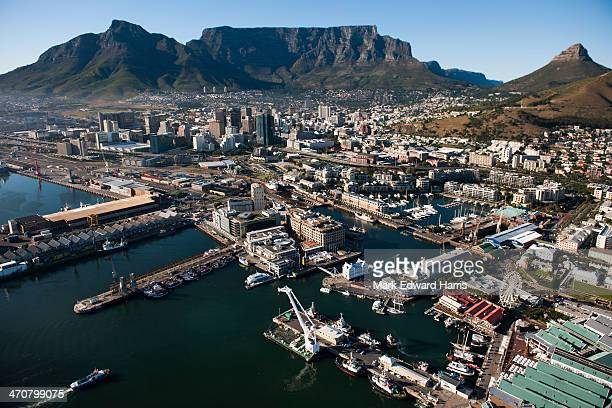 aerial view of v&a waterfront and cable mountian - table mountain stock pictures, royalty-free photos & images