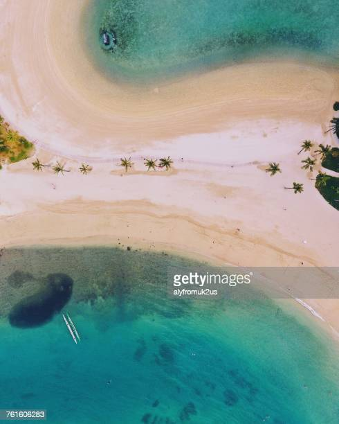 aerial view of waikiki beach, oahu, hawaii, america, usa - ponto de vista de drone - fotografias e filmes do acervo