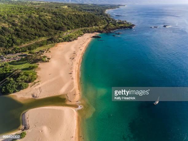 aerial view of waimea bay - waimea bay - fotografias e filmes do acervo