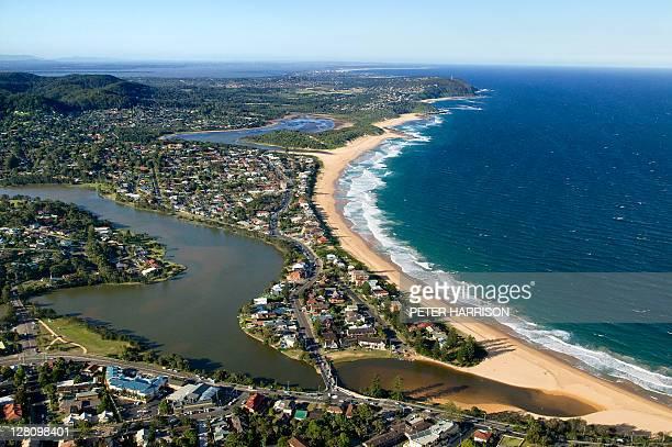 aerial view of wamberal, , central coast, nsw, australia - bundesstaat new south wales stock-fotos und bilder
