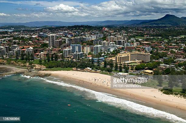 aerial view of wollongong, new south wales, australia - wollongong stock pictures, royalty-free photos & images