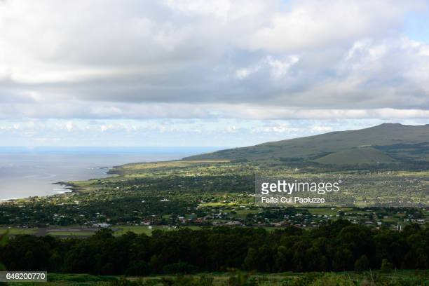 aerial view on hanga roa in easter island of chile - países del golfo fotografías e imágenes de stock