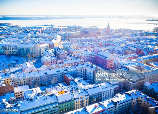 aerial view over helsinki on a sunny winter day - finlandia fotografías e imágenes de stock