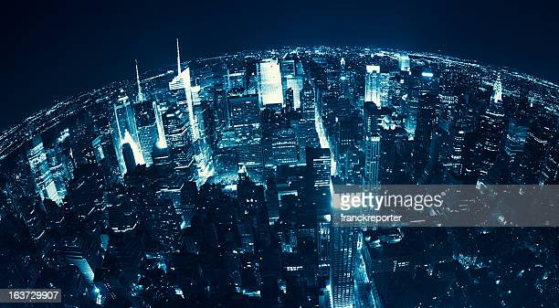 veduta aerea sopra manhattan skyline di notte-new york - fish eye foto e immagini stock