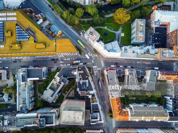 flygvy över skandinavisk stad - drönarperspektiv bildbanksfoton och bilder