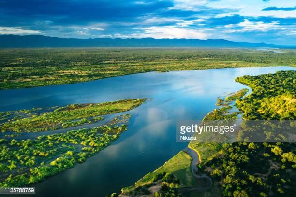 ザンベジ川の上空からの眺め、ザンビア - ザンビア ストックフォトと画像
