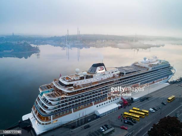 Flygfoto över Viking Star kryssningsfartyg i Stockholms hamn