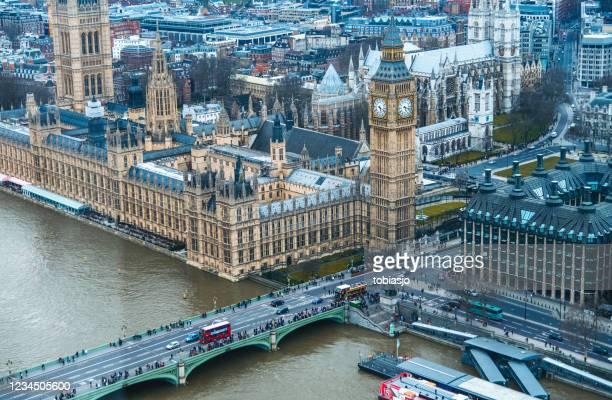 ロンドンとビッグベンの時計塔を見下ろす空中写真 - シティ・オブ・ウェストミンスター ストックフォトと画像