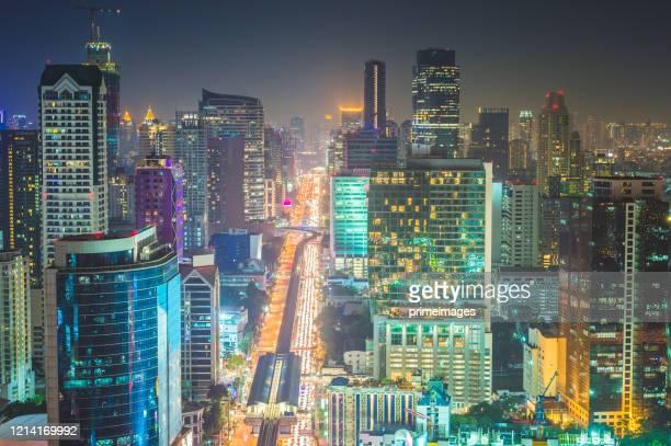 空中写真サトーンとシロム地区とcbdのダウンタウンでスカイ駅チョンノンシ、バンコク、バンコクの中心、アソーク、バンコクの中心部 - バンコク・スカイトレイン ストックフォトと画像