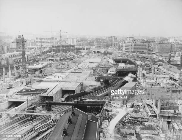 Aerial view showing the construction of the tunnels intended to carry the Metropolitan, Circle and British Rail lines from Moorgate Station to...