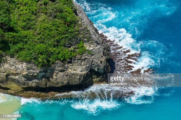 aerial view to ocean waves. blue water background. - shaifulzamri - fotografias e filmes do acervo