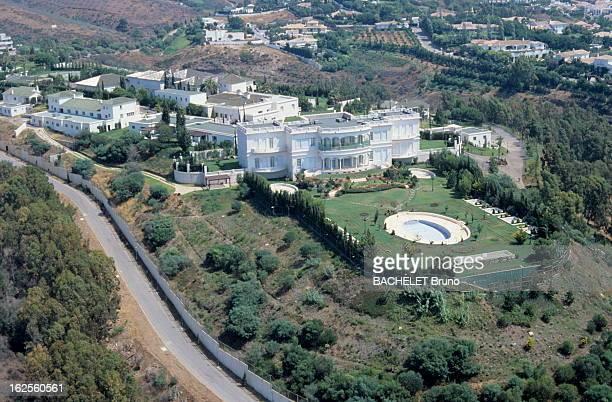 Aerial Views Of Dream Villas In Marbella Marbella Andalousie Espagne vue aérienne du palais du roi Fahd d'Arabie saoudite copie de la Maison Blanche...
