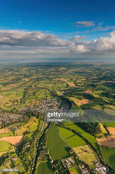 Vue aérienne d'un paysage champêtre idyllique green