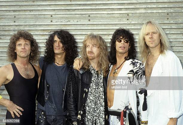 Aerosmith Band Rock music HeavyMetal USA Singer Steven Tyler From left Joey Kramer Joe Perry Brad Whitford Steven Tyler Tom Hamilton