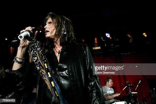 Aerosmith frontman Steven Tyler performs on stage at an exclusive gig to promote 'Hyde Park Calling' at The Hard Rock Cafe on February 19, 2007 in...