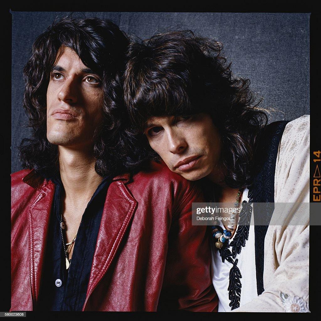 Aerosmith guitarist Joe Perry poses with singer Steven Tyler in 1985 in Boston, Massachusetts.