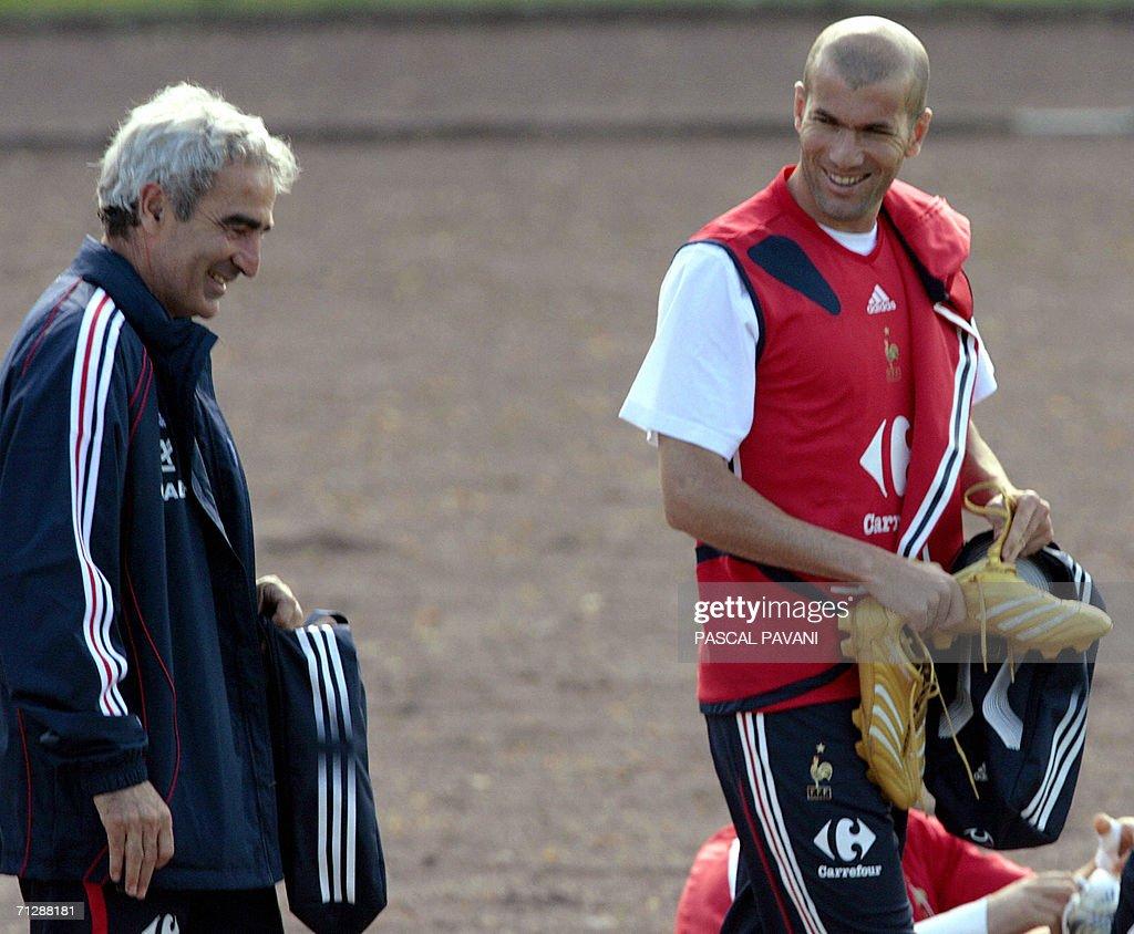 French midfielder Zinedine Zidane speaks : News Photo