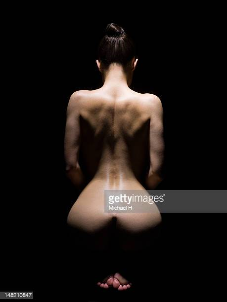 aestheticising a curvecious woman - beautiful bare bottoms stock pictures, royalty-free photos & images