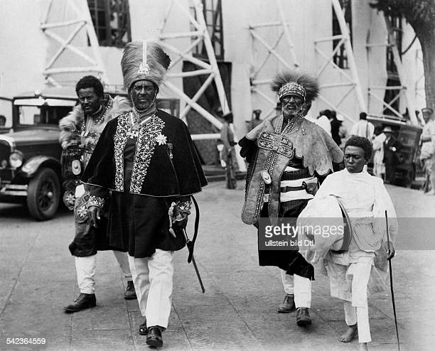 Aethiopien Addis Abeba Addis Abeba Participants at the coronation festivities for Emperor Haile Selassie Photographer Eduard Schlochauer 1930Vintage...