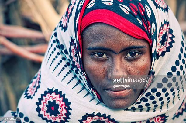 Afar femme en vêtement traditionnel, Danakil désert, Éthiopie