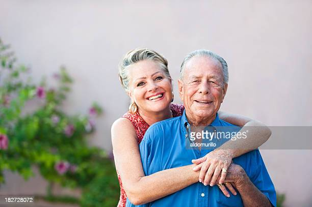 affettuoso coppia senior - macchie sulla pelle foto e immagini stock