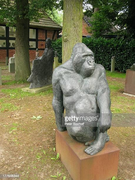 AffenSkulptur Garten vom Atelier von P r o f B e r n d A l t e n s t e i n und G i s e l a E u f e sowie C h r i s t o p h F i s c h e r Offene...