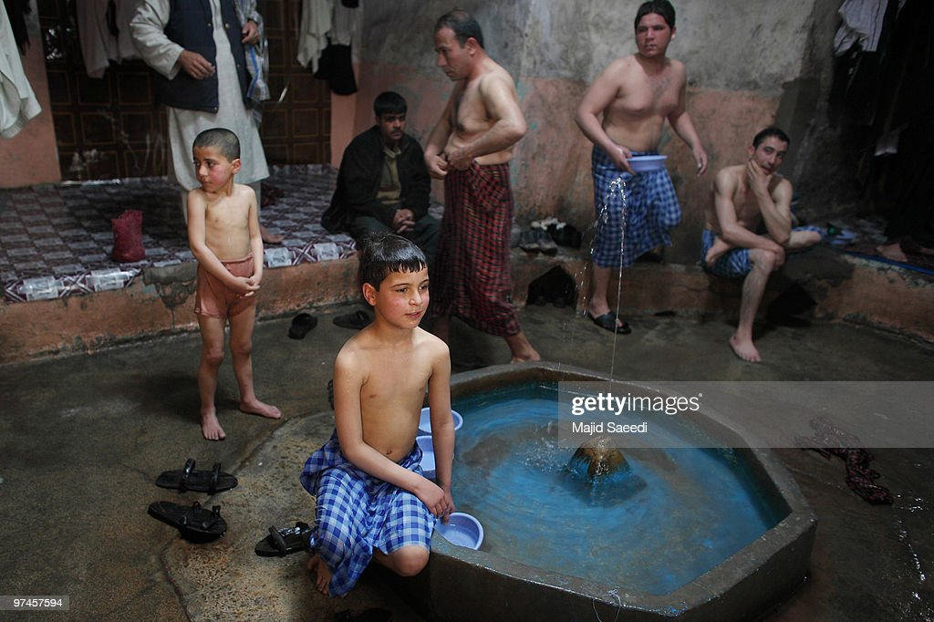 naked-afghanistan-boys